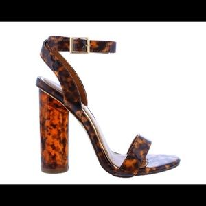 Liliana thick chunky heel! Open to offers